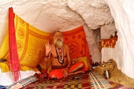 Canti devozionali, mantra e cerimonia del fuoco con Baba Shiva Das
